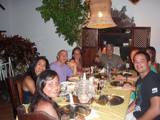 Posada Movida: Cenando