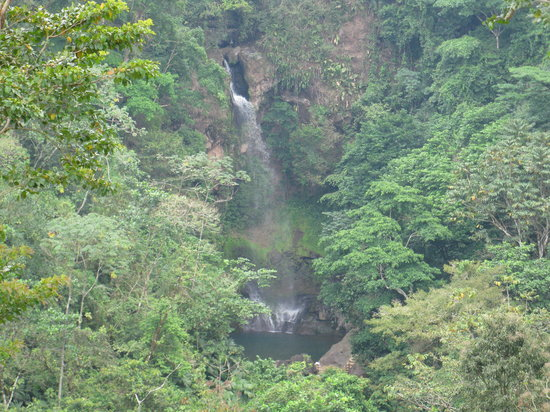 Santa Clara, Panama: The waterfall