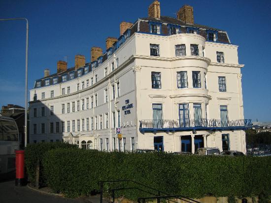 The Esplanade Hotel: Nice blue sky