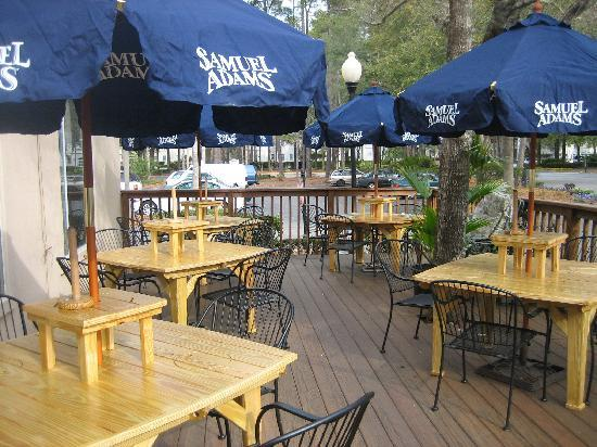 Backyard Porch Hilton Head : Outdoor seating!  Picture of Main Street Cafe & Pub, Hilton Head