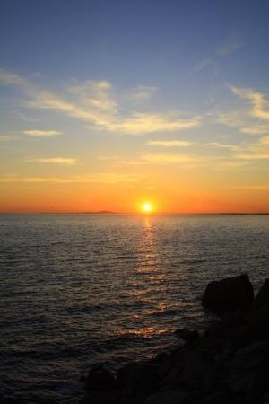 Toulouse, France: Coucher de soleil sur la plage de Sète en novembre....