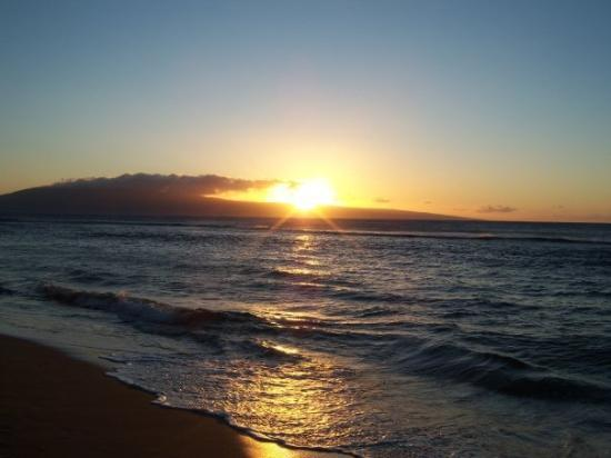 Kihei, HI: Sunset...perfect everyday...unlike Bellingham's winters