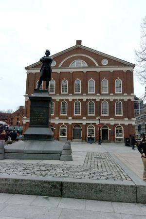 Faneuil Hall Marketplace: Faneuil Hall and Samuel Adams