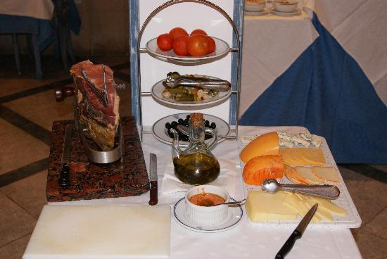 Hotel Illa d'Or : Spanish-style Foods