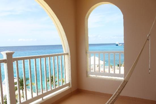 Cozumel Palace: Great views from the hammock!