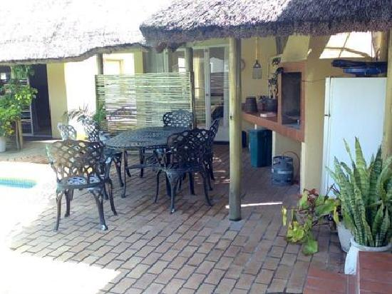 Riversway Guest House : Great Outdoor living areas