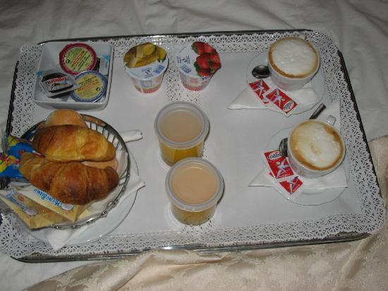 Ca' Bonvicini: In room breakfast