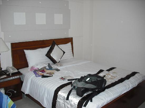 Hoang Gia Huy Hotel: Room 405 - no windows