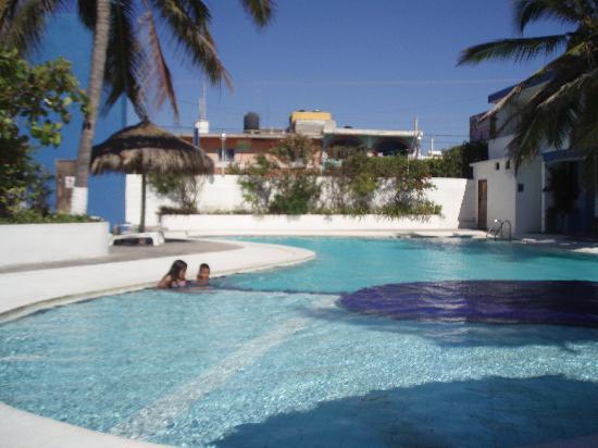 Hotel Barra de Navidad: Hotel pool