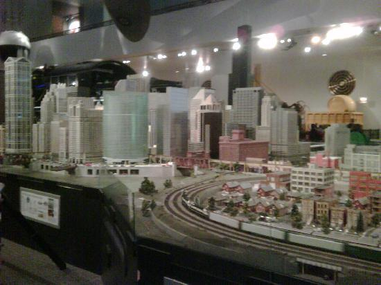 Modelrailroad and highrise - SkyscraperCity