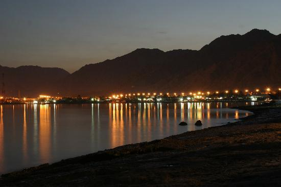 Nakhil Inn and Dream - Nuweiba: nakil sea view by night
