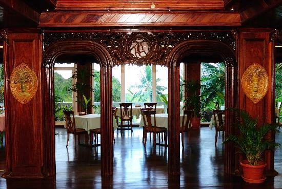 Airai Water Paradise Hotel & Spa: Restaurant