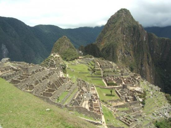 The Ruins of Intipata: Yes it's Machu Picchu.