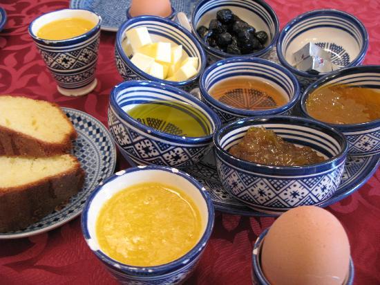 Riad La Perle De La Medina: delicious and hearty breakfast