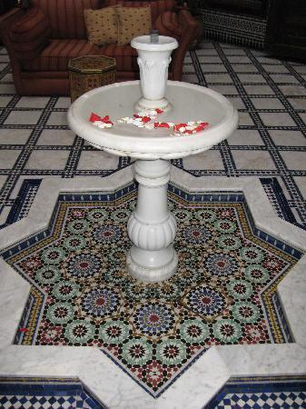 Riad La Perle De La Medina: Fountain