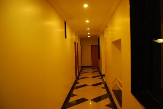 Hotel Kuber Inn: passage
