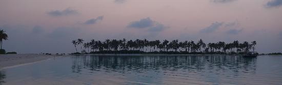 Olhuveli Beach & Spa Maldives: Sunrise