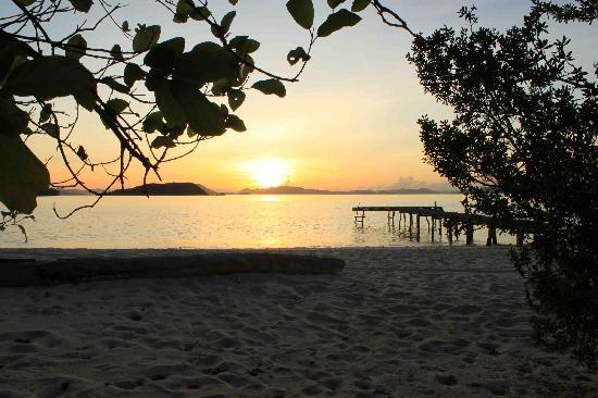 Mangenguey Island: Sunrise