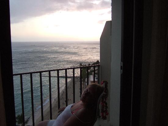Outrigger Waikiki Beach Resort: Our balcony