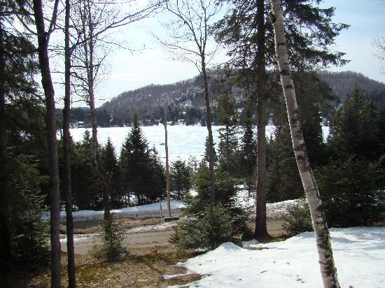 Sainte-Lucie-des-Laurentides, Canada: Vue sur le Lac Sarazin