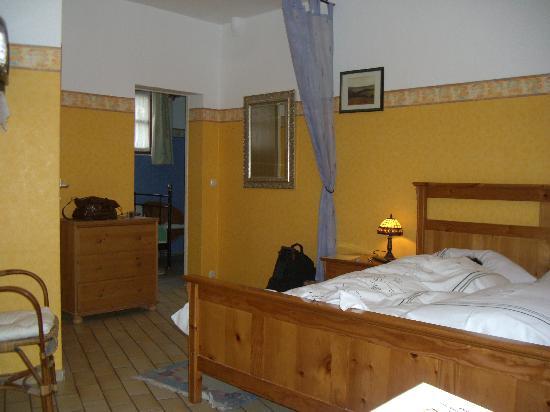 ホテル ガルニクラウザーホフ, room