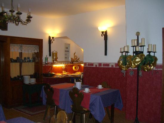 Hotel Garni Kreuzerhof: dining