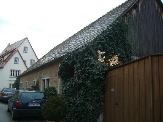 Hotel Garni Kreuzerhof: building