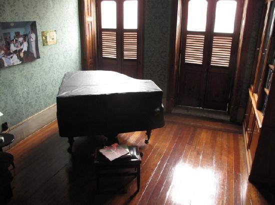 Villa Laurinda: Piano y Biblioteca