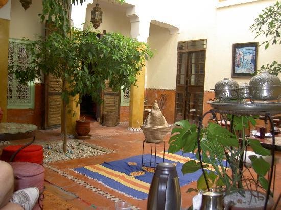 Riad Dar Nael: El comedor de desayunos