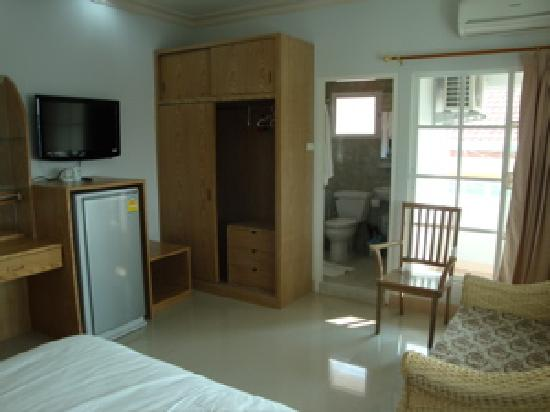Lux Hotel : Spacious Room