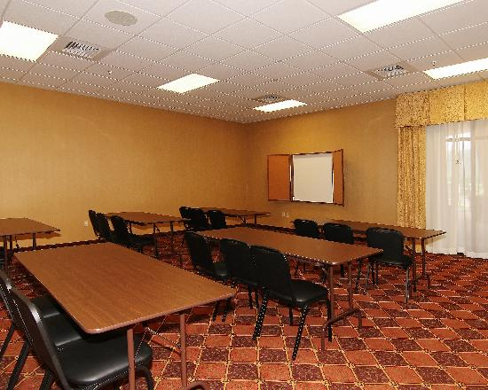 Holiday Inn Express & Suites - Harrisburg West: Meeting Rooms