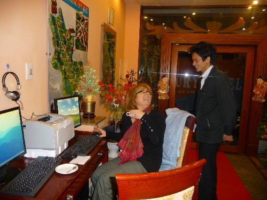 Luxury Hotel: accueil de l'hôtel