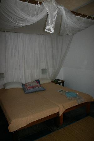 Stardust Beach Hotel: bedroom