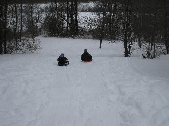 Colby Hill Inn: sledding out back