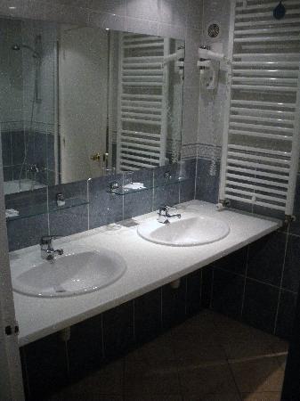 La Vallee Blanche : The Bathroom