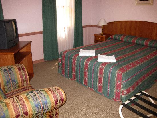 Pioneer Motel: SEPRATE BEDROOM
