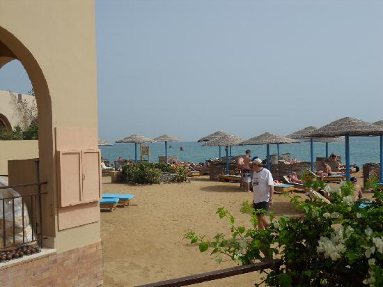 Three Corners Ocean View Hotel - Adults only: Beach near swimmingpool of the hotel