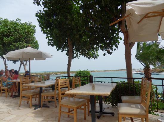 Three Corners Ocean View Hotel - Adults only: Buffetrestaurant hotel near lagune