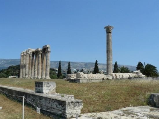 Temple of Olympian Zeus: Olympieion, Athina, Ελλάδα