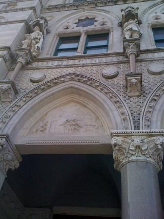 Connecticut State Capitol: One of the carved scenes at the Capitol.