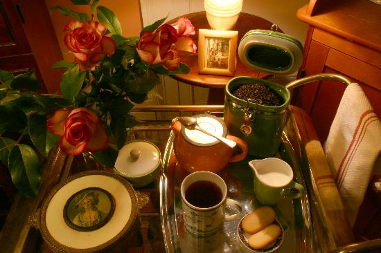 Union Street Guest House: Tea Service