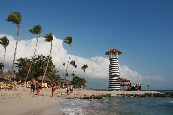 Iberostar Hacienda Dominicus: Playa del hotel y bar de playa