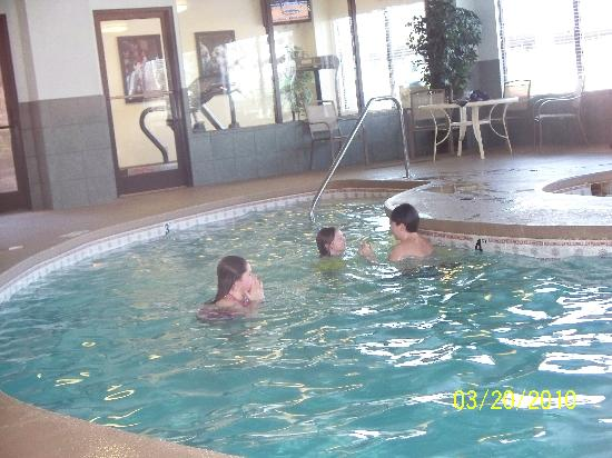 Hampton Inn Charleston - Downtown: indoor pool