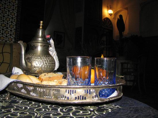 Riad Laayoun: tea time