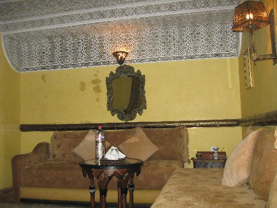 Riad Ibn Battouta: Damas Sitting Area