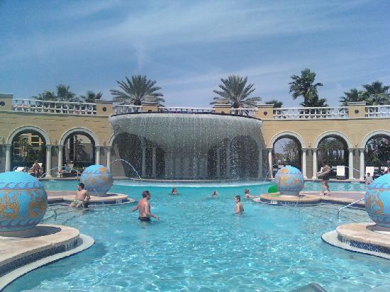 Hilton Grand Vacations at Tuscany Village: View of the pool