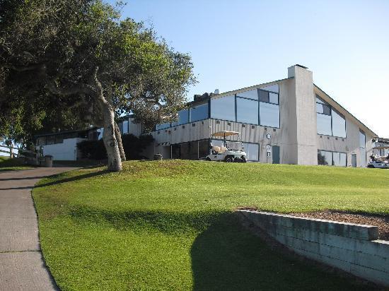 Ломпок, Калифорния: The Building