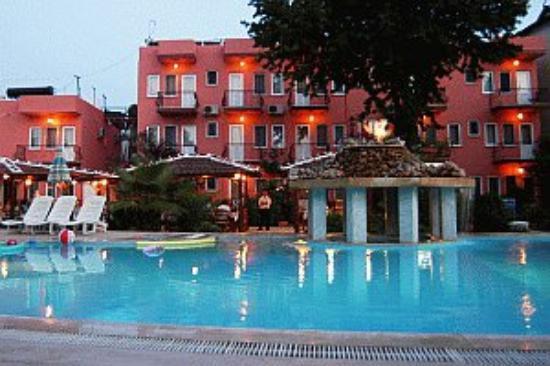 Hotel Truva am Abend (Fethiye/Türkei)