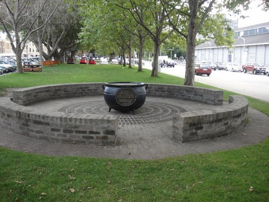 Salamanca Arts Centre: Just a circle in the midst of the park along the roadside of Salamanca.  A great get-together ar
