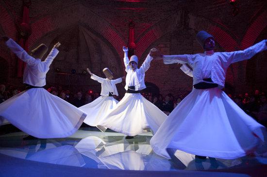 Hodjapasha Cultural Center : Whirling devishes